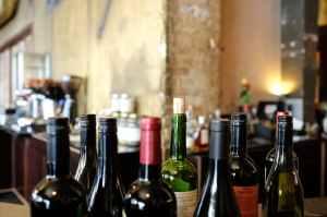restaurant bar wine red wine